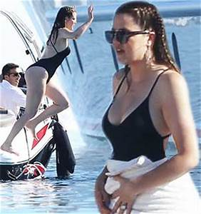 Khloe Kardashian shows off 20 lb weight loss in one-piece ...