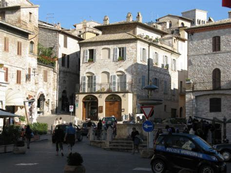 museums and galleries in assisi italy