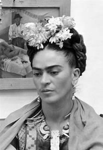 Frida Kahlo Kunstwerk : frida kahlo retrospektive in berlin k nstler deko k che und kunst frauen ~ Markanthonyermac.com Haus und Dekorationen