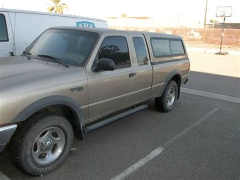 sell used ford ranger track 4 wheel drive work year 2000 182000 4 x door 4x4 in