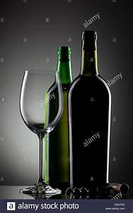 Leere Flaschen Für Likör : leere glas wein und flaschen stockfoto bild 60000671 alamy ~ Markanthonyermac.com Haus und Dekorationen