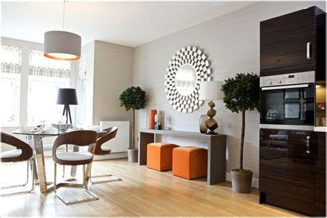 Funky Mirrors For Contemporary Dining Room Decorating