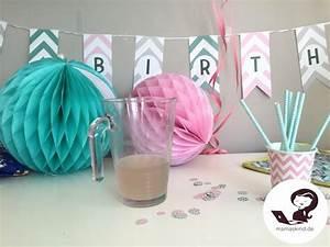 Deko Gartenparty Geburtstag : babys erster geburtstag mit kuchen und geschenken ~ Markanthonyermac.com Haus und Dekorationen