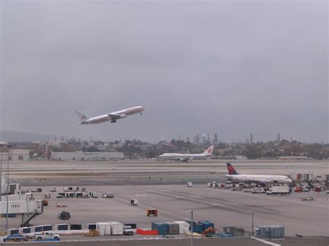 review los angeles international airport observation deck frequently flying