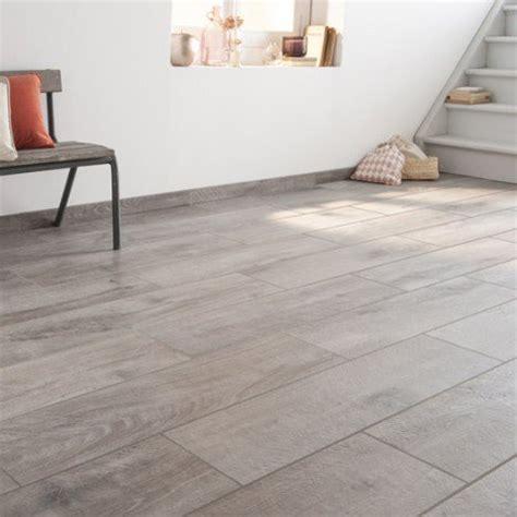 carrelage sol et mur gris effet bois heritage l 20 x l 80 cm leroy merlin