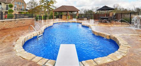 Pool : Top 10 Benefits Of A Composite Fiberglass Pool