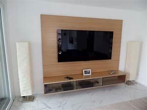 Tv Möbel Rot : h ngendes fernsehm bel mit wand funk innenausbau ag ~ Whattoseeinmadrid.com Haus und Dekorationen