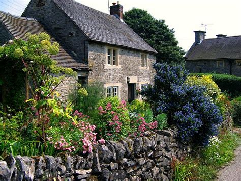 England Gardens  Cottage Garden In Tissington, Derbyshire