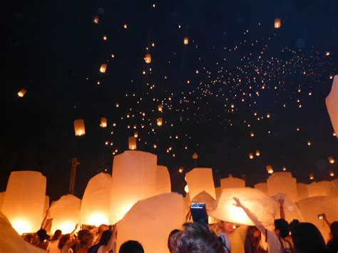 how to participate in yi peng the sky lantern festival places liz goes