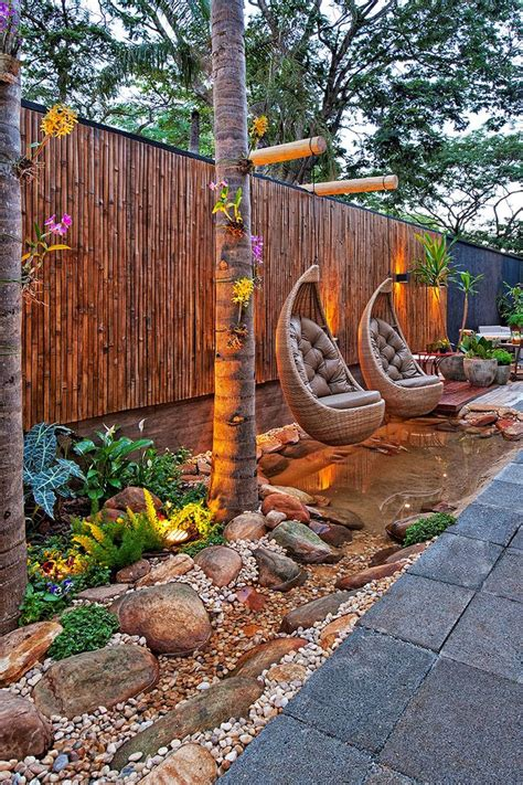Slope Yard Ideas by Best 25 Sloped Backyard Ideas On Pinterest Sloping