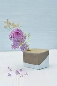 Beton Vase Selber Machen : do it yourself vase aus beton basteln bonny und kleid ~ Markanthonyermac.com Haus und Dekorationen
