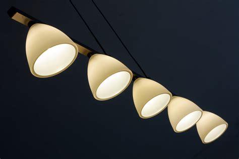 poser des spots lumineux au plafond
