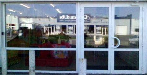 vitrine magasin photo de menuiserie aluminium chagne multipose