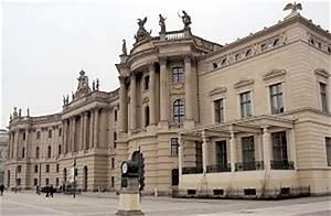 Alte Kommode Berlin : die alte bibliothek am bebelplatz in berlin mitte die kommode einw rts gebogen ~ Markanthonyermac.com Haus und Dekorationen