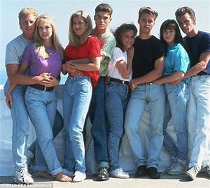 90er Mode Typisch : lifetime to air movies about beverly hills 90210 and melrose place daily mail online ~ Markanthonyermac.com Haus und Dekorationen