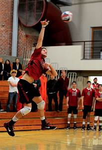 Men's volleyball scrapes past Hawaii in first game, but ...