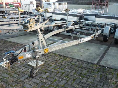 Boottrailer Te Huur by Huur Boottrailer Enkelas Geremd 1350 Kg Van De Burgwal