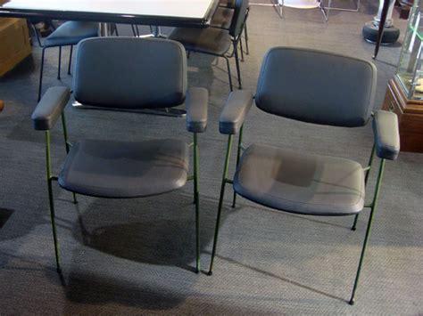 2 fauteuils cm197 paulin occasion 2 fauteuils cm197