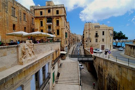 quartier de la valette a photo from malta south trekearth