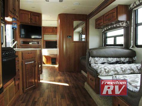 Class C Motorhome Interiors : Jayco Greyhawk Class C Motorhome