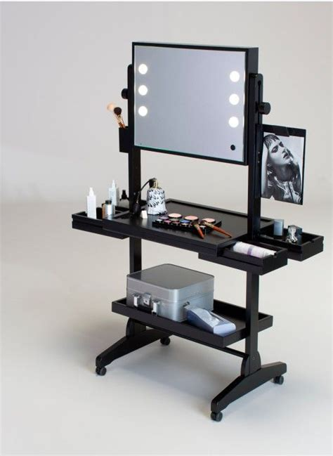 25 best ideas about vanity table with lights on