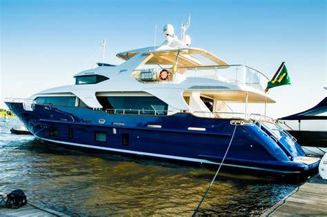 Boate Quatro Por Quatro No Rio De Janeiro by Iate Italiano Mais Valioso Do Rio Boat Show 233 De Um