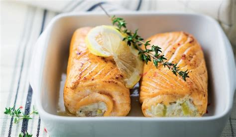 2 paupiettes de saumon aux poissons et aux poireaux surgel 233 s les poissons crustac 233 s picard