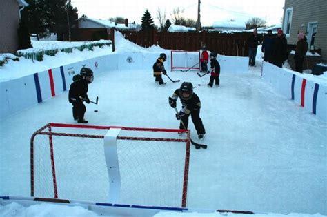 une patinoire dans sa cour pour 171 tripper 187 avec les jeunes infodimanche