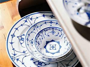 Geschirr Blau Weiß : blau wei geschirr mit sch ner tradition zuhause wohnen ~ Markanthonyermac.com Haus und Dekorationen