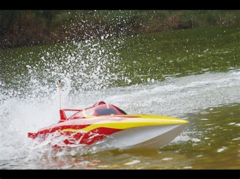 Rc Gas Powered Boats Youtube by Blast Wave Gas Powered Rc Boat Youtube