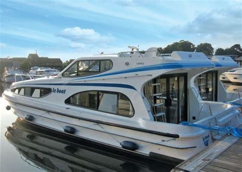 Holiday On A Boat Uk by Le Boat Benson In Benson Thames Valley Hoseasons Co Uk