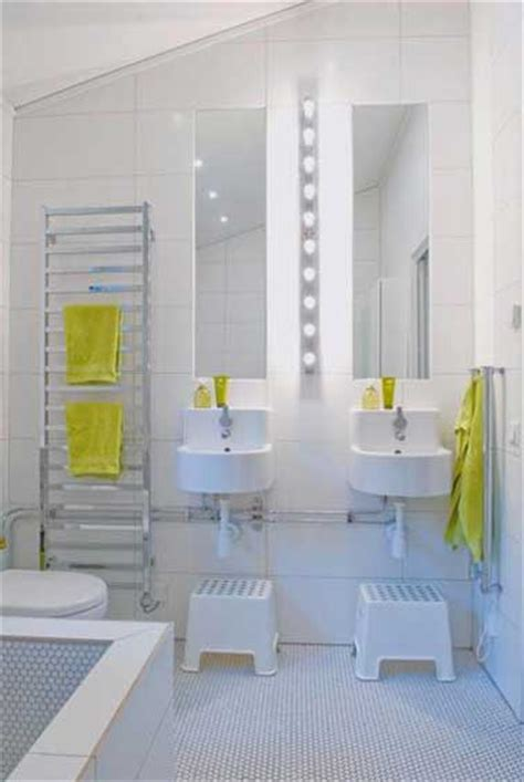 la salle de bain enfant mise sur les couleurs d 233 co