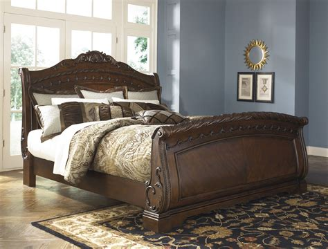 North Shore Sleigh Bedroom Set From Ashley (b