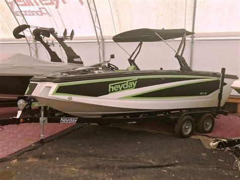 Heyday Wake Boats Price by 2017 Heyday Wake Boat Wt 2 Power Boat For Sale Www