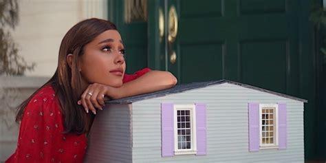 """How Ariana Grande's """"thank U, Next"""" Video Became A Rom-com"""