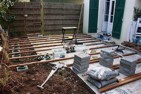 construction d une terrasse en bois etape 1 graphiste ind 233 pendant