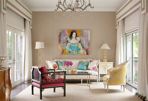 exquisite decor pieces and classical in the living