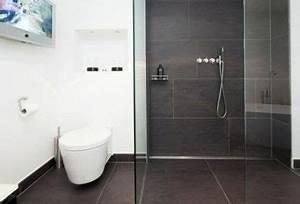 Bad Fliesen Gestaltung : badezimmer fliesen praktische gestaltung mit starker wirkung ~ Markanthonyermac.com Haus und Dekorationen