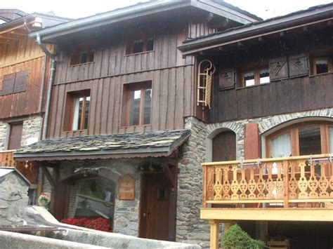chalet charmille la tania ski chalet for catered chalet ski holidays snowboarding and summer
