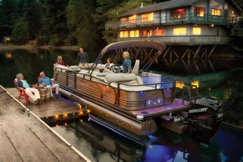 Older Model Deck Boats by How To Handle A Pontoon Boat Boats