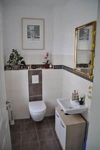 Bad Fliesen Gestaltung : helle dunkle und mosaik fliesen f r die g ste toilette hausbau blog ~ Markanthonyermac.com Haus und Dekorationen