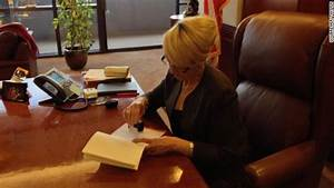 Arizona Gov. Jan Brewer vetoes SB 1062, controversial anti ...