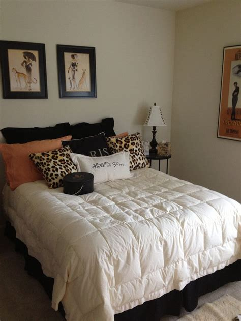 decorating ideas for bedroom with and leopard print