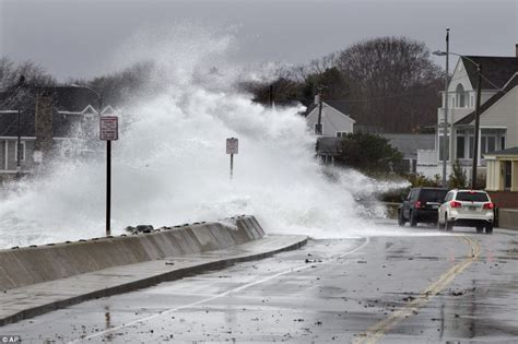 North Shore Boat Works Ingleside Tx by Superstorm Sandy Finally Makes Landfall As Deadly Front
