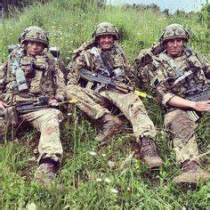 Soldiers of 3rd Battalion The Parachute Regiment wearing ...