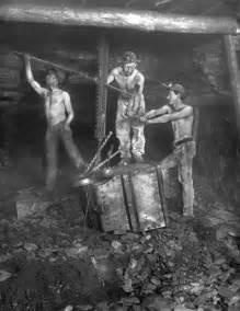 les travailleurs de la mine autour de l abattage l histoire par l image
