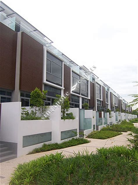 Singapore Cluster Housing Pictures  Buy, Rent Hillcrest