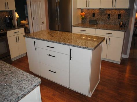 Kitchen Cabinet Pulls Pictures, Options, Tips & Ideas