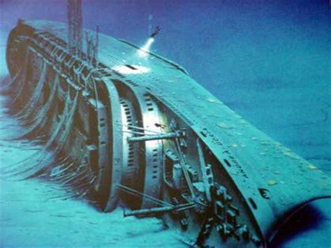 Schip Bermuda Driehoek by De Vermiste Schepen Bij De Bermuda Driehoek B