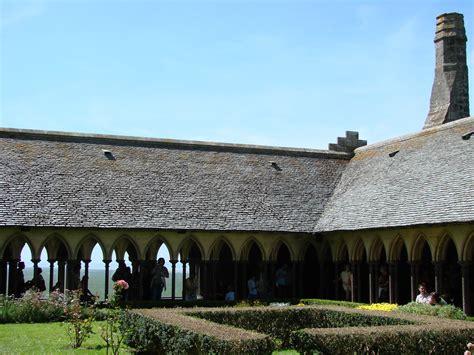 le clo 238 tre de l abbaye du mont michel catherine leclerc chambres d h 244 tes en baie du
